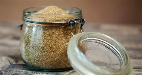 light brown sugar the difference between light brown sugar and brown