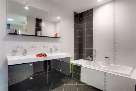 bains de si鑒e salle de bain moderne recherche déco sol gris salle de bains et salle