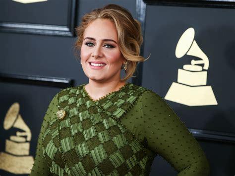 Britu dziedātāja Adele nopērk jau otru māju Beverlihilsā ...