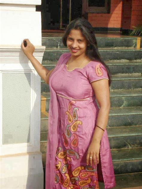 malayali aunty  hot kerala aunties hd latest tamil