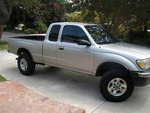 2000 Toyota Tacoma - Pictures