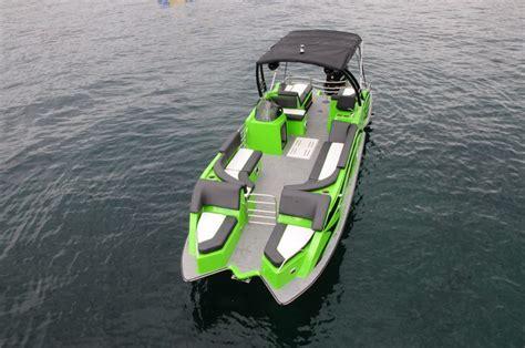 Razor Boats by Lake Chelan Boat Rentals Pontoons Sport Boats