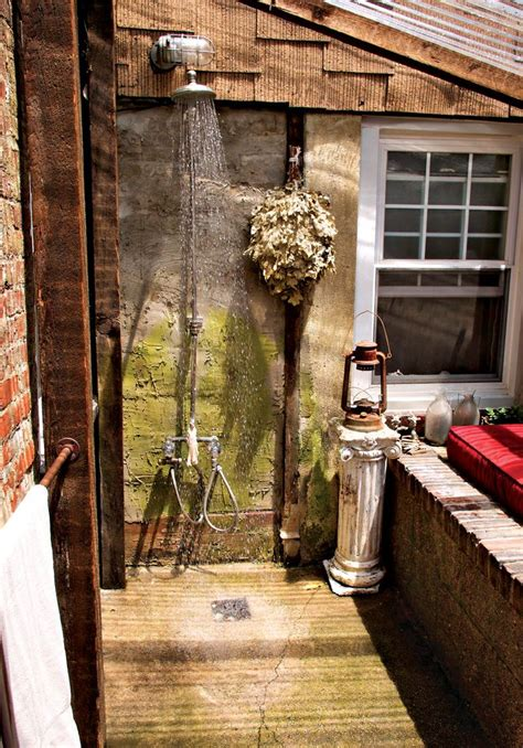 create  outdoor shower   middle   city