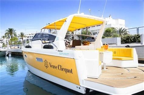 Veuve Clicquot Boat Rental Chicago by 205 Best Pontoon Boats Images On Pinterest Pontoon