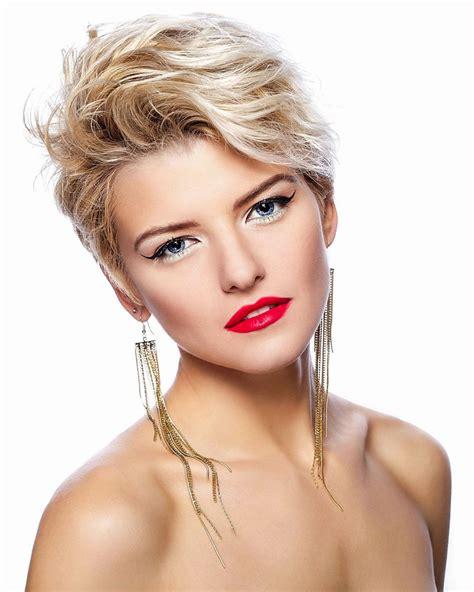 coole frisuren für kurze haare blond gestr 228 hnte haare und blaue augen kurze haare