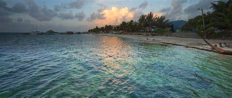 File:San Pedro Town, A.C., Belize, Dawn.jpg - Wikimedia ...