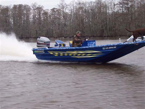Gator Trax Bay Boats gator trax boats fleet backed by a lifetime warranty