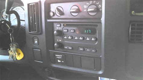 setting the clock in a 2004 chevy express