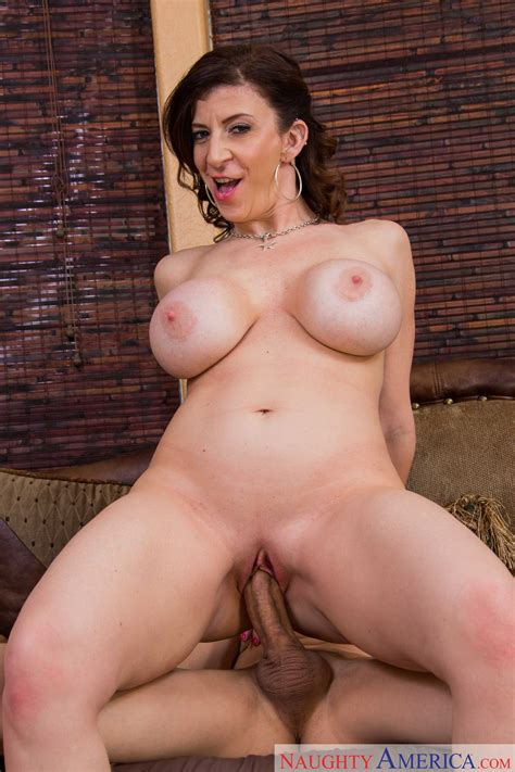 Sara Jay Likes Sex With Younger Guys Photos Bruce Venture