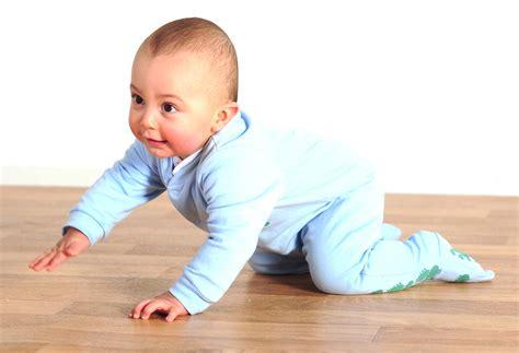 Baby Crawling Stratford Tile