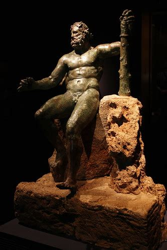 Herakles Epitrapezios. Bronze Hercules with drinking cup
