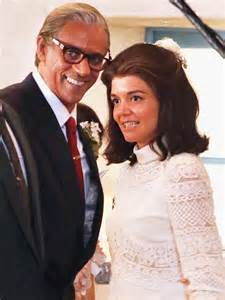 wedding gift for second marriage the kennedys after camelot as jackie kennedy