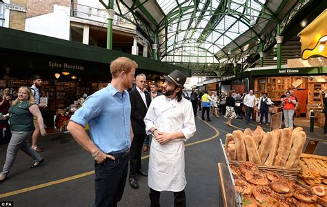 borough market stabbing prince harry visits borough market to pay tribute daily