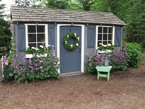 decoration cabane jardin exemples damenagements