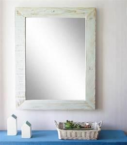 Miroir Cadre Bois : cadre miroir en palettes esprit cabane idees creatives et ecologiques ~ Teatrodelosmanantiales.com Idées de Décoration