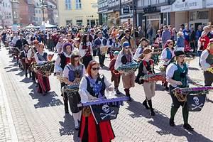 Uelzen Verkaufsoffener Sonntag : buntes fr hlingsfest in uelzen verkaufsoffener sonntag ~ A.2002-acura-tl-radio.info Haus und Dekorationen