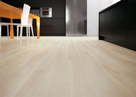 piastrelle cucina effetto legno piastrelle per il pavimento della cucina cose di casa
