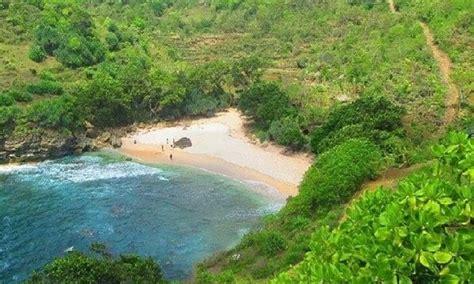 pantai ngetun gunungkidul pantai kecil  jarang