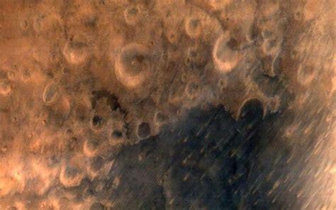 planet bureau india 39 s marsorbiter shares snapshot of planet with