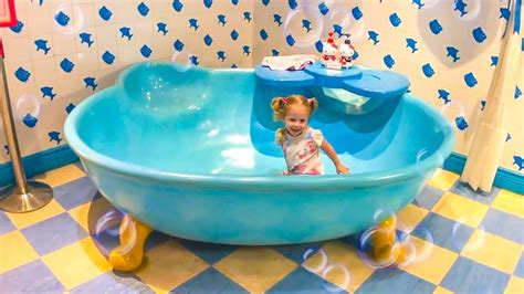 Funny Stacy And Hello Kitty Indoor Playground For Kids
