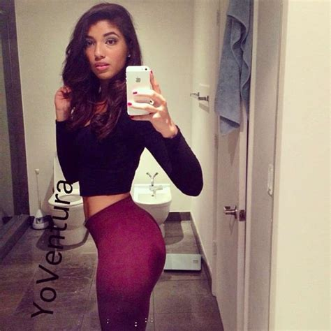 Yovanna Ventura Shows Her Fit Abs And Hips Page 12