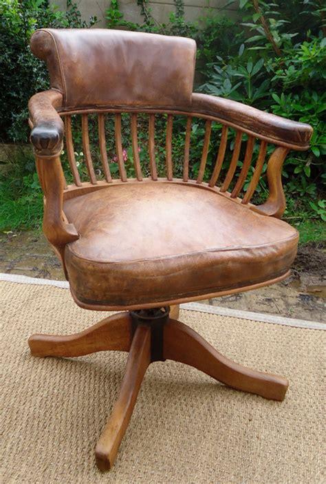 cuir pour bureau ancien fauteuil de bureau ancien cuir table de lit