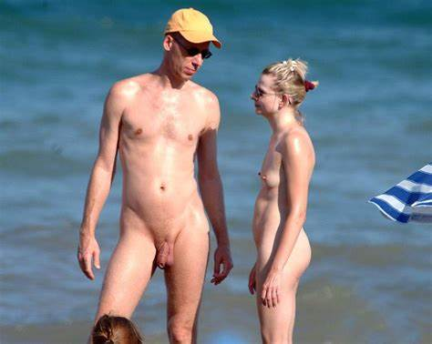 Naturists Couples Likes There Sun