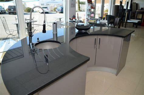 cuisine ilots central marbrerie et création de meubles sur mesure valence