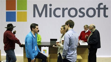 microsoft  small number  people cut