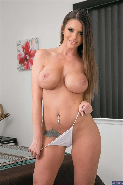 Big Titted Milf Is Ready For Sex Photos Brooklyn Chase