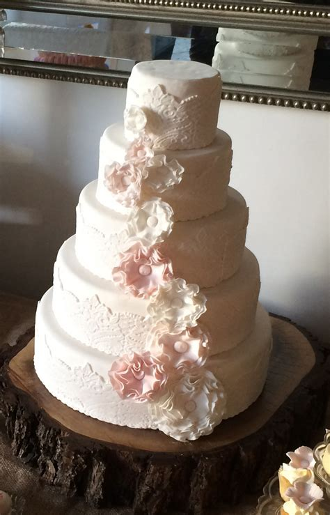 How To Make A Vintage Lace Wedding Cake