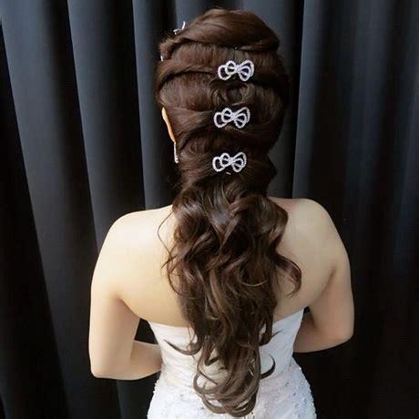 wedding dinner hairstyle