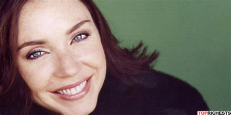 Enchanting Commercial Actress Stephanie Courtney net worth