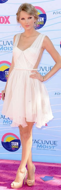 Taylor Swift. Dress - Maria Lucia Hohan Jewelry - Lorraine ...