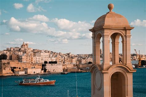 fileview    walled city  valletta