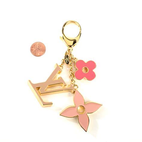 louis vuitton fleur de monogram bag charm pink