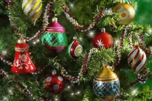 Christmas Tree Made Light Strings