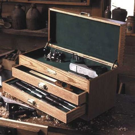 woodworking project paper plan  build woodworkers tool chest