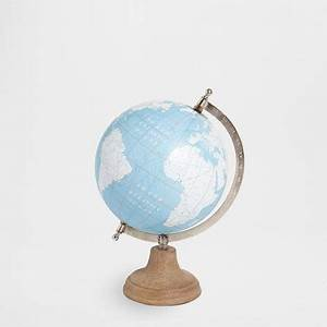 Globe Terrestre Bois : globe terrestre pied en bois accessoires d coration ~ Teatrodelosmanantiales.com Idées de Décoration