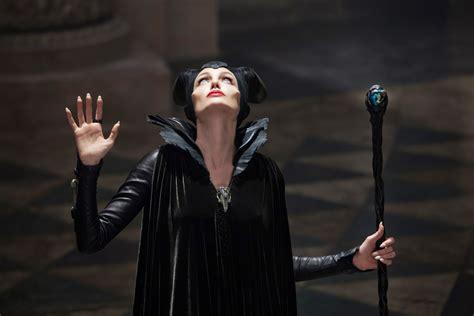 Michelle Pfeiffer 2 Maleficent