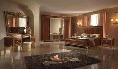 Chambre à Coucher Classique De Design