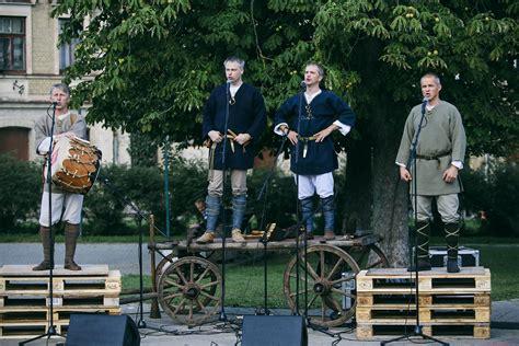 Karavīru dziesmām skanot noslēgsies J.Čakstes laukuma ...
