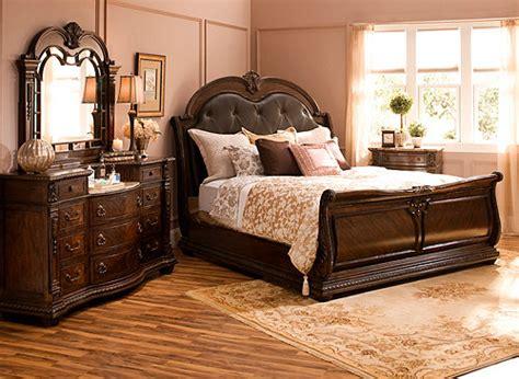 wilshire  pc king bedroom set brown cherry raymour