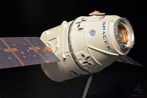Proach Model's licensed SpaceX scale models - collectSPACE ...