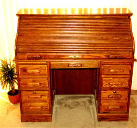 very beautiful solid oak crest roll top locking furniture