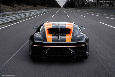 The bugatti chiron will go, by my reckoning, only as fast as its tyres will allow before they explode. 2021 Bugatti Chiron Super Sport 300 - HD Pictures, Videos ...