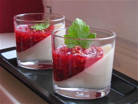 panna cotta 224 la vanille et sa compot 233 e de fruits rouges pour ceux qui aiment cuisiner