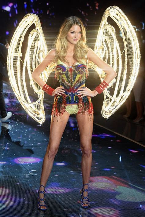 Gigi Hadid from 2015 Victoria's Secret Fashion Show ...