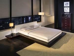 Tokyo, Platform, Bed