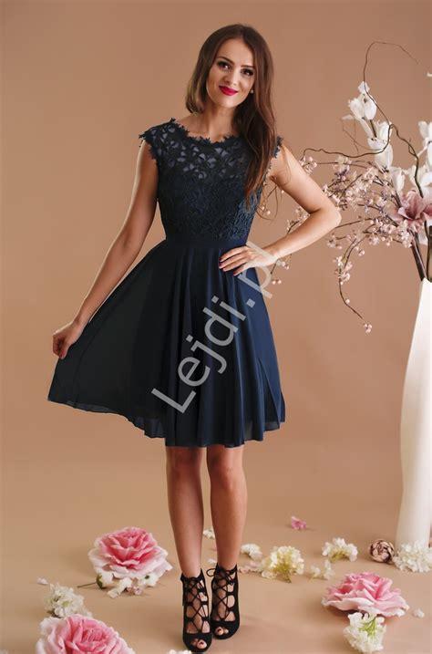 foto de Granatowa szyfonowa sukienka na wesela chrzciny bal